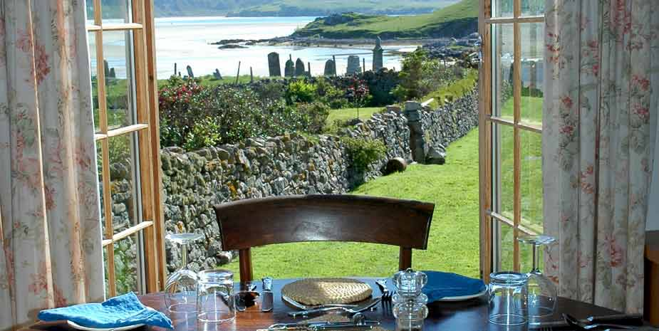Baile na Cille Guest House dining room