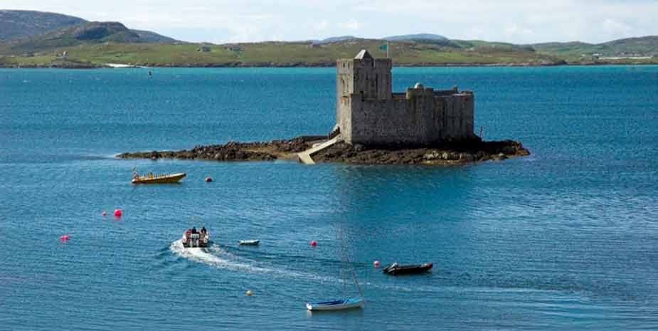 Craigard Hotel - View to Kisimul Castle - Barra