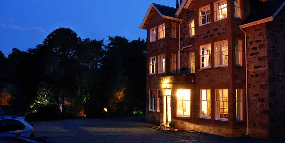Duisdale House at night